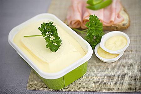 Bordssmör 40 % smaksatt med oliv och smör i miniförpackning