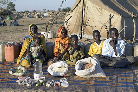 What people weekly eats: The Aboubakar family of Breidjing Camp, Chad
