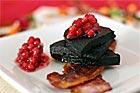 Stekt blodpudding med fläsk och lingon - recept