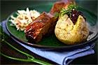Marinerade tjocka texasspjäll med bakad potatis - recept
