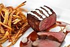Zebrafilé med whiskysås och pommes frites - recept