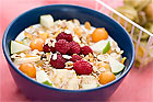 Filmjölk med müsli och färsk frukt - recept