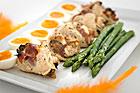 Parmafylld kyckling med ägg och sparris - recept