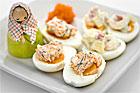 Ägghalvor med romröra (plockmat) - recept