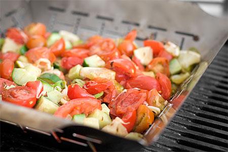 Limegrillad tomatsallad