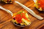 Liten sallad på sked (plockmat) - recept