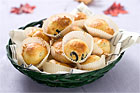 Små olivfyllda ostmuffins (drinktilltugg) - recept