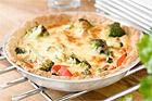 Cheddarpaj med broccoli och paprika - recept