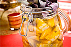 Saffrans- och russininlagd sill med smak av basilika - recept