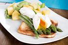 Hawaiitoast med förlorade ägg - recept