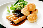 Laxbullar med karamelliserade svartrötter - recept