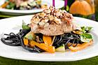 Rapphöna på svart pastabädd - recept