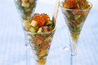 Melon- och avokadosalsa med regnbågsrom (förrätt) - recept
