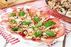 Breasolacarpaccio med parmesan, olja och pinjenötter (plockmat) - recept