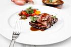Chateaubriand med rödvinssmör och pommes de terre lyonnais - recept