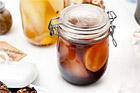 Rödvinskokta päron med kanel och lagerblad - recept