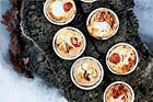 Små smördegspajer med torkad skinka och getost - recept