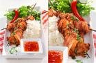 Grillade kycklingspett med jordnötschili - recept