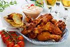 Grillad kyckling med krispig vitlök och rosmarinpotatis - recept