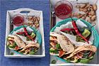 Grillade pitapockets med innerfilé, avokado och tomatmarmelad - recept