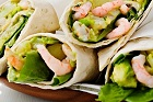 Wraps med räk-, avokado- och äggröra - recept