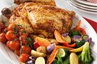 Gårdskyckling med grönsakspotpourri och dillfraiche - recept