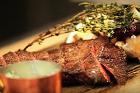 Luffarstek/luffarbiff (fjäderbladsbogstek, flat iron steak) - recept