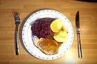 Schweinebraten im Kochtopf mit knödeln, bräserad fläskstek med potatisklimp - recept