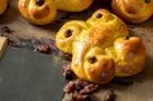 Smakrika lussekatter med fördeg (gullvagn eller enkel kuse) - recept